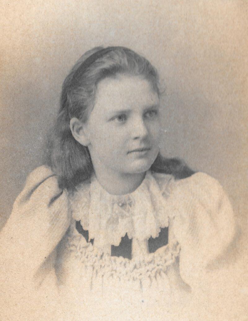 Ethel Gabain as a young girl